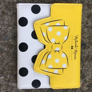 Minnie Mouse signature notebook